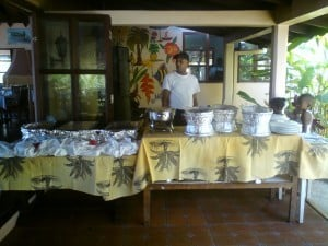 Setting-up-the-Buffet-table-300x225 (1)